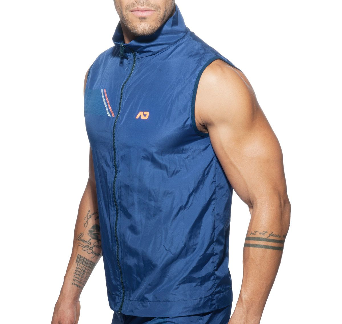 Addicted Sportjacke ADDICTED SLEEVELESS AD629, blau
